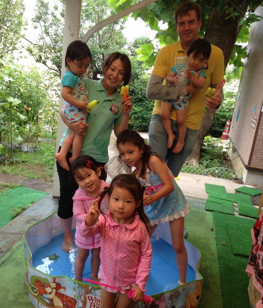 プールで遊ぼうよ   英語圏の幼稚園教育と子供英会話♪ キティ ...
